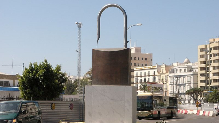 Acontece que no es poco | La idea del Libro Guinnes y la aprobación de la libertad de prensa en España