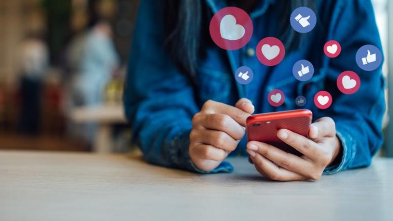 La importancia de compartir y dar like en la era de la viralidad