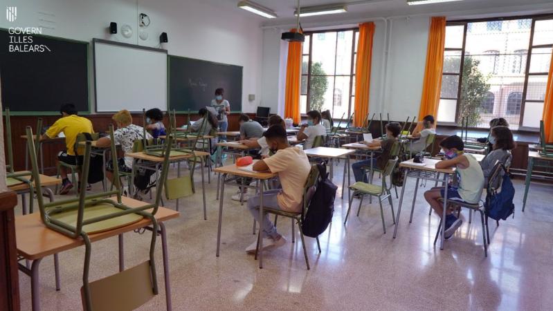 Los institutos alertan: las clases semipresenciales empeoran los resultados de los alumnos que ya iban mal | Sociedad | Cadena SER