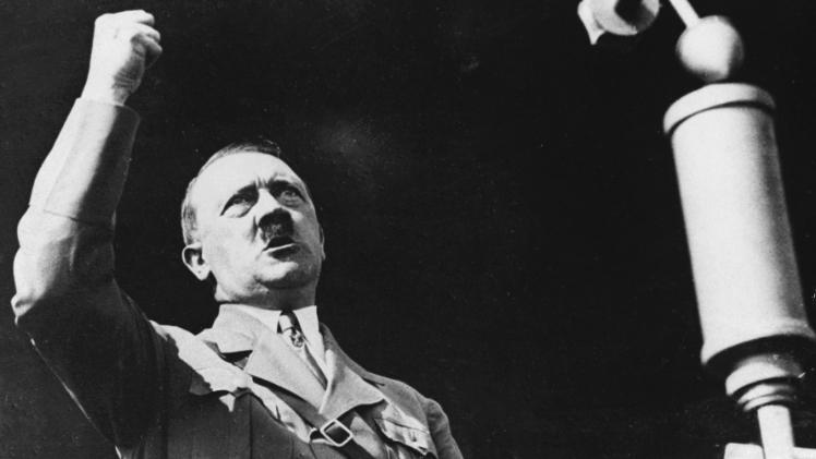 Acontece, que no es poco | Retirada la candidatura de Hitler