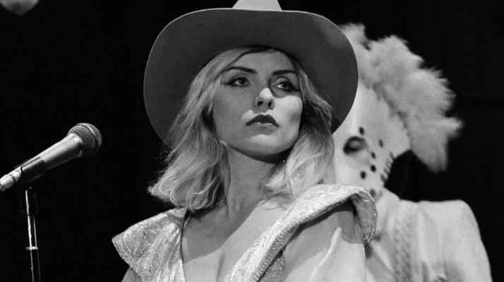 Reportaje: El camino de Debbie Harry, de la barra de un bar al estrellato de Blondie